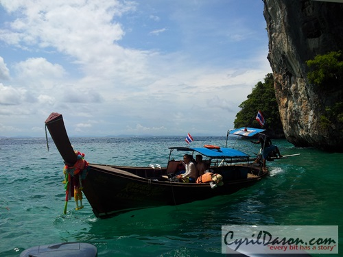 One of the many lovely sceneries while island hopping for the Phi Phi Island tour.
