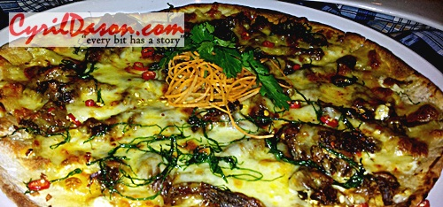 Beef Serunding Rendang Pizza - I'd eat this alone if it was served hot. Delicious!