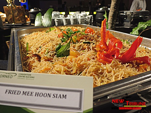 Mee Hoon Siam isn't exactly your ordinary fried mee hoon once you have it. Seconds is assured.