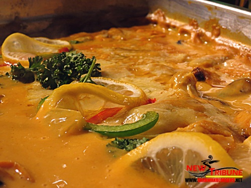 Muscles in curry - Looks yucky when viewed real live, but taste heavenly!