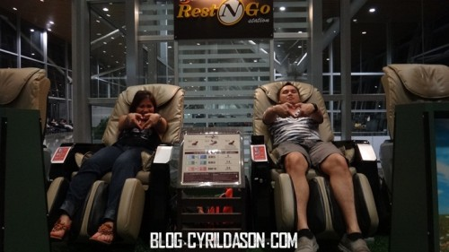 Gambar di massage chair.. ko ada? =P