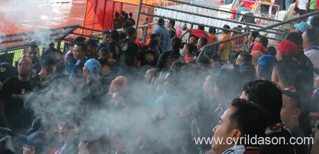 Johor fans taking five during half time. This was when they were all seated and the camera was raised above the head.