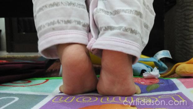 Carissa Dhea legs