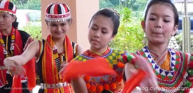 Students, Dancing troups, SMK Matang Jaya