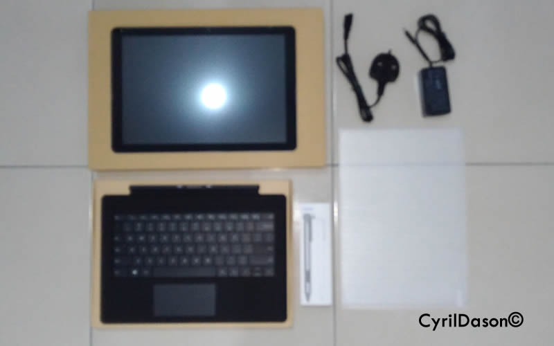 Chuwi Surbook Package opened