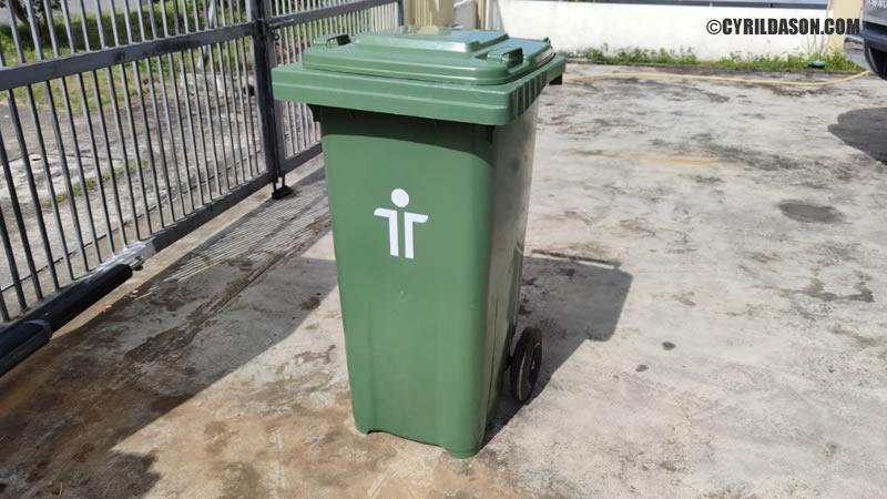 Trienekens garbage bin
